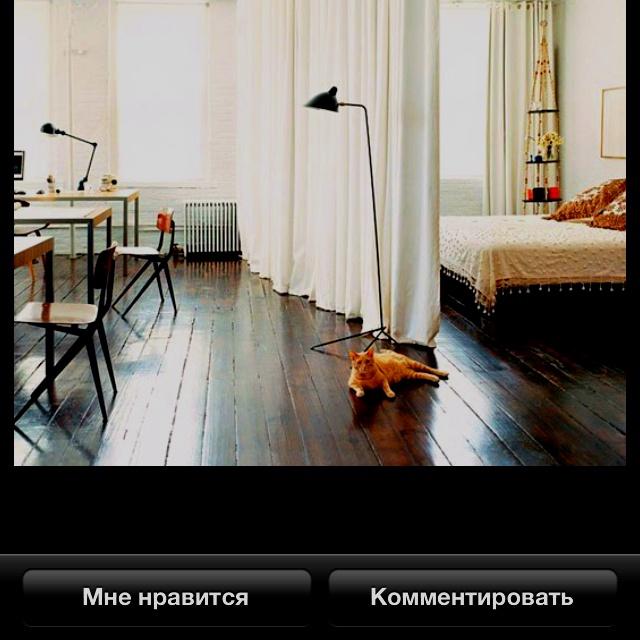 Мне нравится для спальни сочетание темного пола, светлых стен и покрывал, светлые занавески! Если в спальню ставить шкафы, то мне кажется, они должны быть деревянные, как под старину такие, тоже темного дерева!!!!