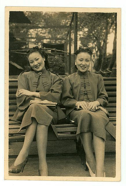 Shanghai, 1930s, two sister wearing wonderful matching outfits. #Chinese #vintage #Asian #1930s #fashion
