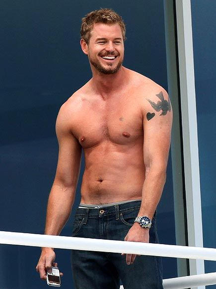 What is it with the 'weird' tattoos on their arms? Eric Dane's lookalike, Marat Safin, has an eye and a barcode on his right arm. :))