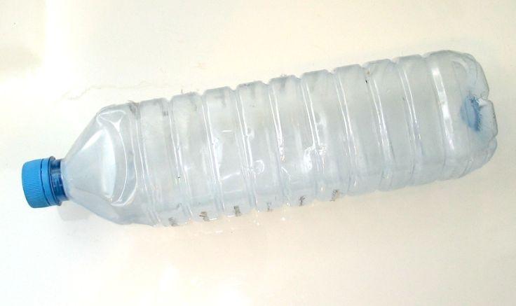 zelfbewaterend kweekpotje maken van plastic flessen