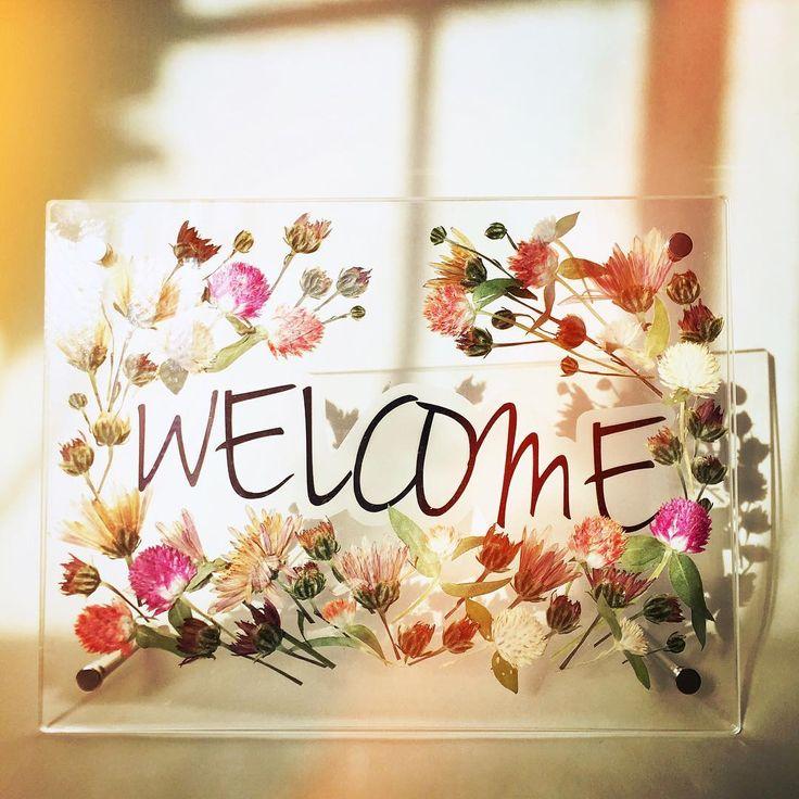 「. flower welcome board ❤️✨ present for Kumi . #flowers #pressedflowers #welcome#welcomeboard #weddingboard #押花#植物園#植物図鑑#千日紅#ウェルカムボード」