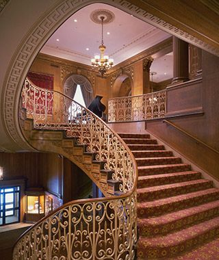 The Fairmont Olympic Hotel doesn't just have dining options, it has landmarks: eavesdrop on business lunches at throwback oyster bar Shuckers, and rediscover your posture at afternoon tea at the stately Georgian.