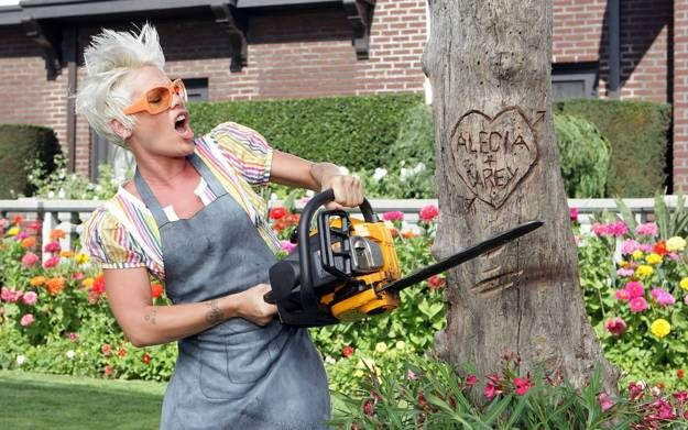 Tree stumps are a perfect material for garden art and yard decorations. Lushome shares ideas to recycle tree stumps for rustic furniture and spectacular centerpieces for backyard landscaping that feat