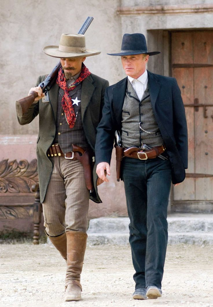 Viggo Mortensen and Ed Harris as Everett Hitch and Virgil Cole in Appaloosa.