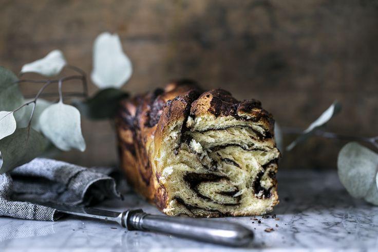 Babka er øst-europæisk brød-agtig kage med chokoladefyld. Babka ser helt sikkert mere kompliceret ud end den i virkeligheden er at lave.