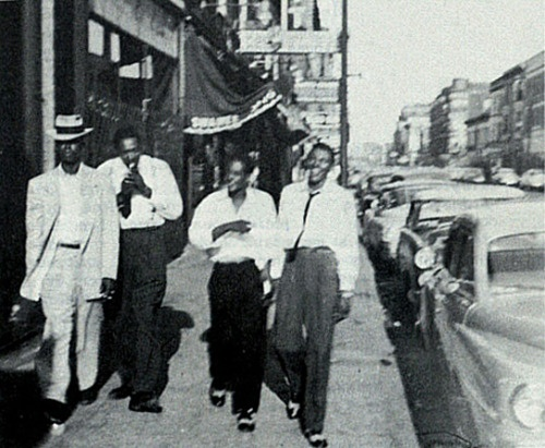 Elmore James , Sonnyboy Williamson II , Tommy McClennan , Little Walter