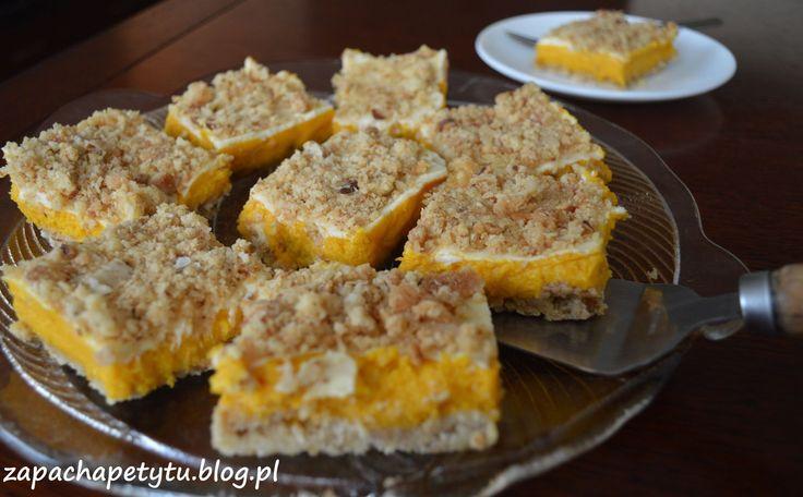 Ciasto serowo - dyniowe z orzechową kruszonką #pupmkin #cheesecake #nuts #mousse #foodblog #polishgirl