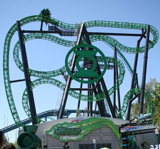 THE GREEN LANTERN: FIRST FLIGHT at Six Flags Magic Mountain,   Insane way of having a coaster. You tube it!!!!