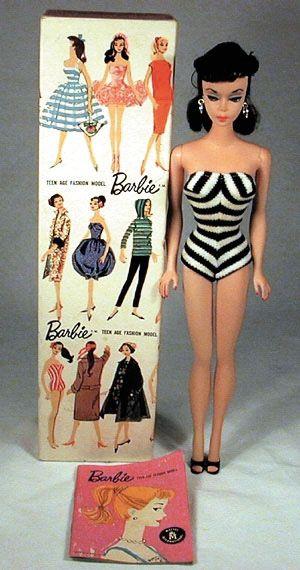 The first Barbie, 1959. Like so many blondes, she started out brunette. Gekrgen toen ik 9 of 10 was van Chantal