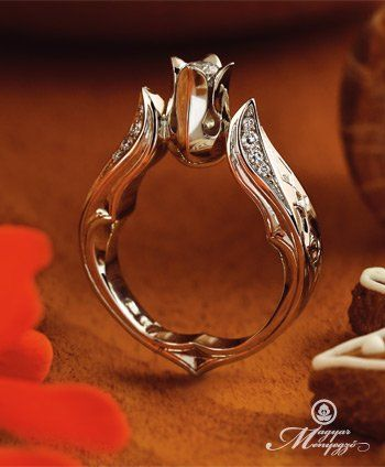 """A Magyar Menyegző ékszer kollekció egyik legszebb darabja a """"Kelengye"""" leánykérő gyűrű."""