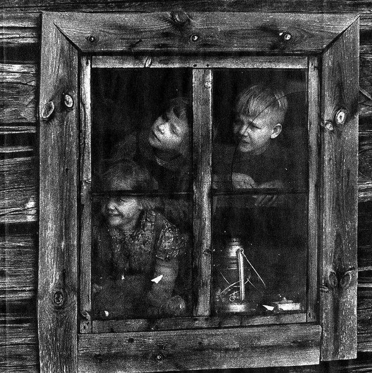 Caj Bremer (1929- ) Savupirtin lapset. - Smoke cabin's children - Finland