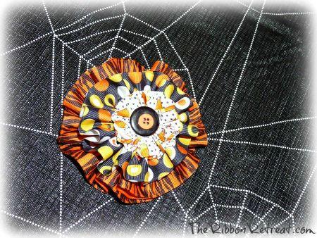 Ribbon Circle Halloween Bow - {The Ribbon Retreat Blog}