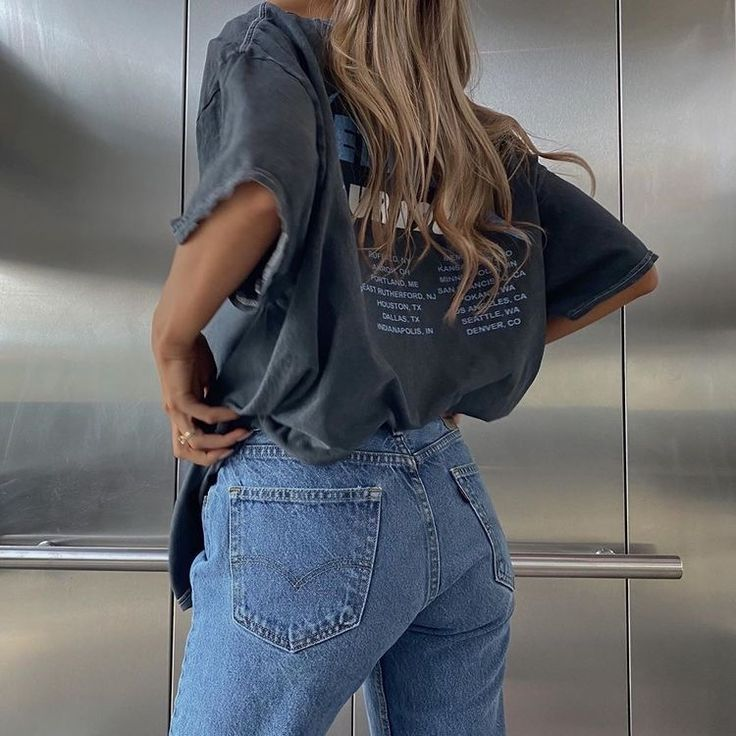 Denim Graphic Tee Fashion Inspo Outfits Fashion Aesthetic Clothes