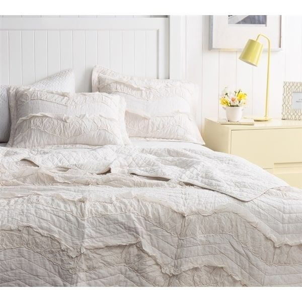 Byourbed BYB Relaxin' Single Tone Jet Stream Chevron Ruffles Queen Size Quilt Set