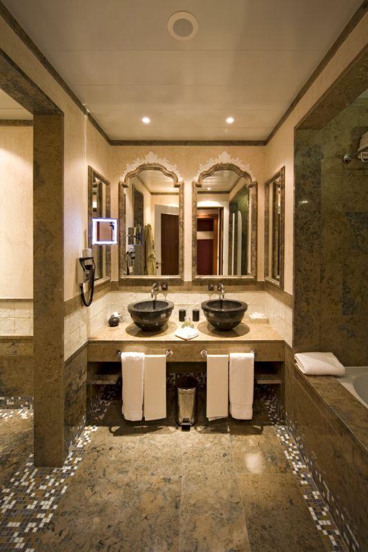 Seascape Room - Bathroom