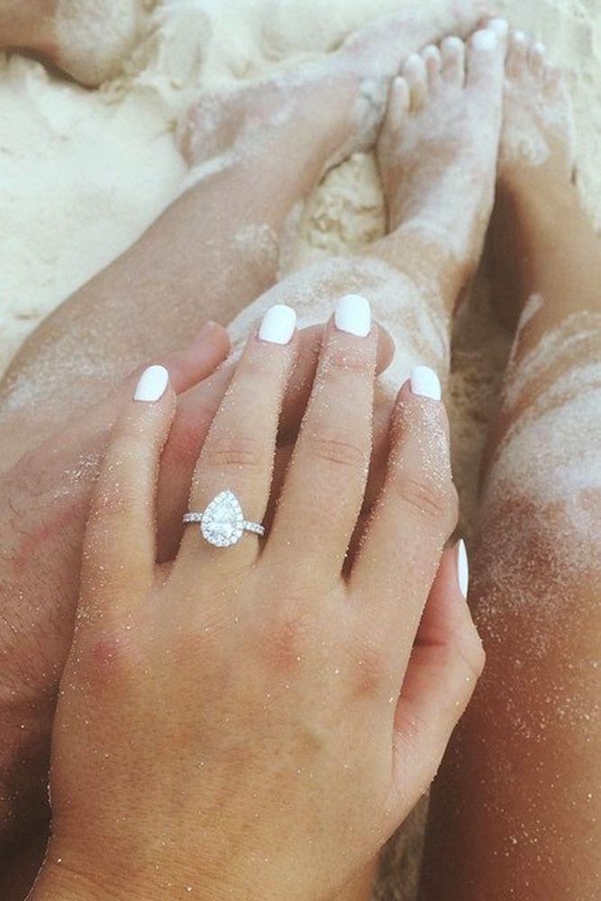 engagement ring selfie 6