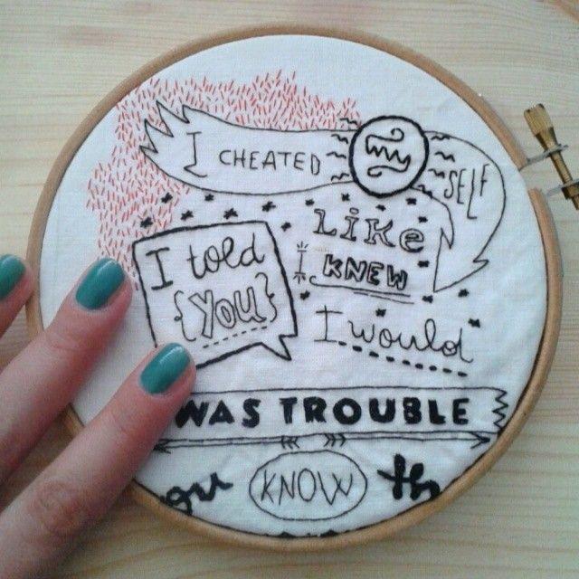 Amy Amy Amy | filo di cotone su cotone #art #artoftheday #handmade #madeinitaly #ricamo #amywinehouse #agoefilo #lettering #amy #embroidery #textile #design #craft #fromanotheroom #rossellaogliarulo #rossellagiasai #artigianato  http://instagram.com/fromanotheroom