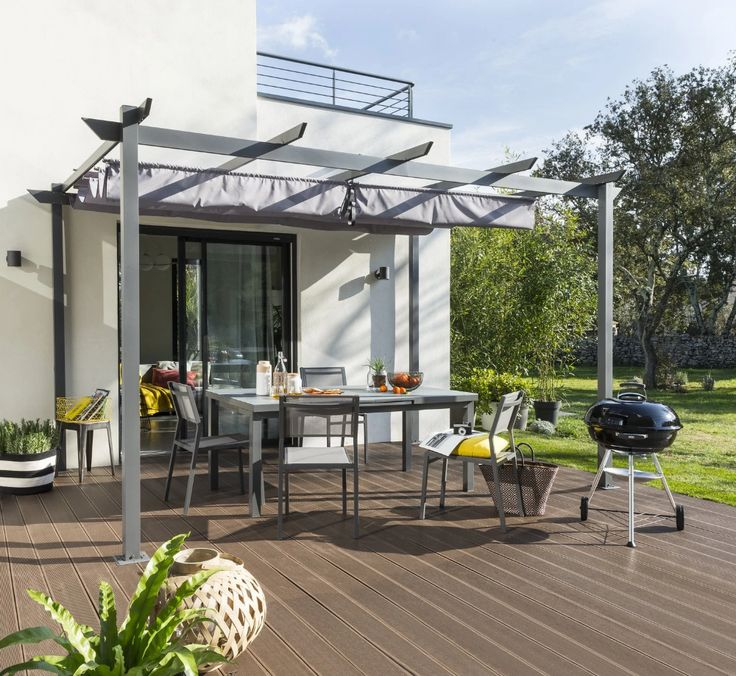De La Planche Composite Bois Brun Fonce Pour Une Terrasse