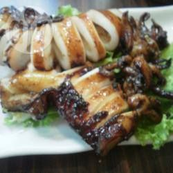Recipe photo: Cumi-cumi Kecap Bakar (Broiled Squid in Dark Soy Sauce)