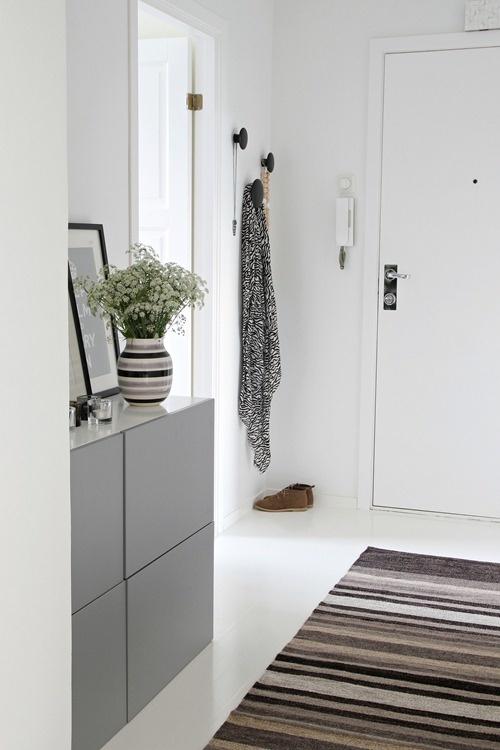 Hallway - Nordic Leaves