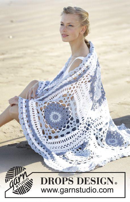 Met dit breipatroon kan je een deken haken met oma vierkanten en een kantpatroon. Dit is een leuk patroon voor gevorderde haaksters.