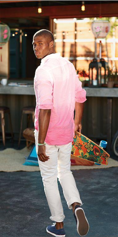 ピンクのグラデーションシャツを着こなすメンズファッションアーバンサーフ