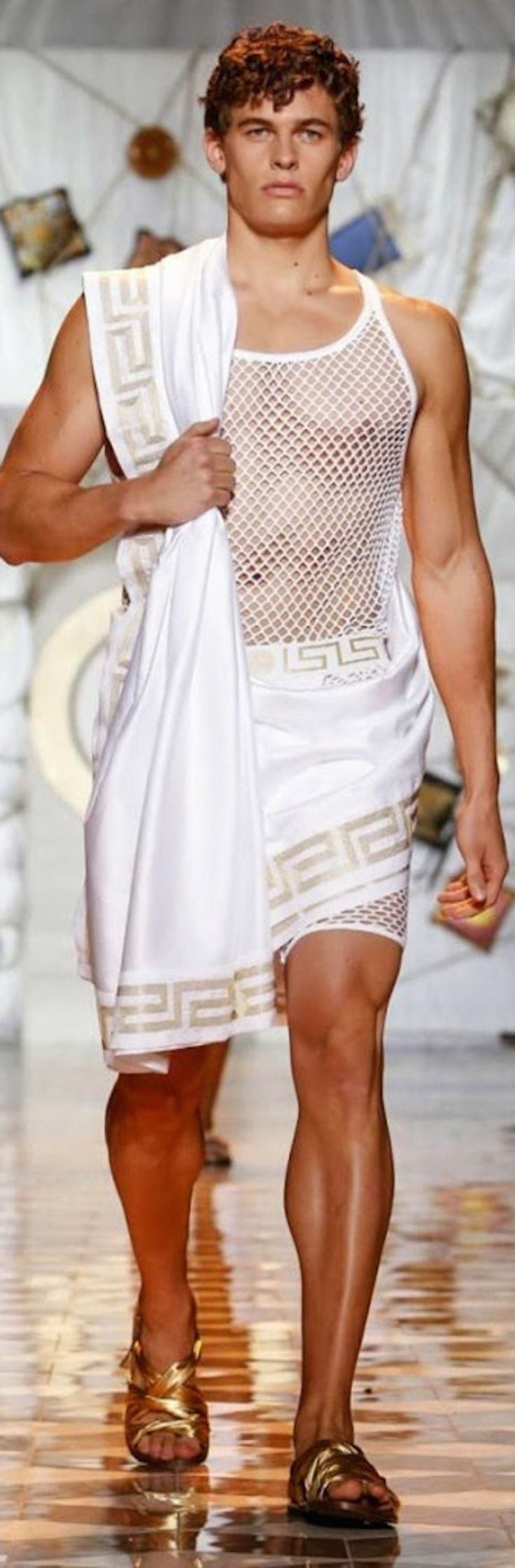 Versace-Men-Spring-Summer-2015-Milan-Fashion-Week-019