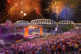 RIverfront Park on the 4th of July! Every year Nashville hosts among the largest display of fireworks celebration along with performances by famous music artists and the Nashville Symphony