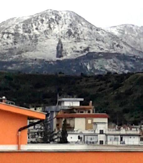 Sito annuncia, immagine Madonna su monte Notizia sito ansa  http://www.ansa.it/sito/notizie/cronaca/2015/02/10/sito-annuncia-immagine-madonna-su-monte_d85cef30-2dde-480e-a1d5-301d6a796a2a.html