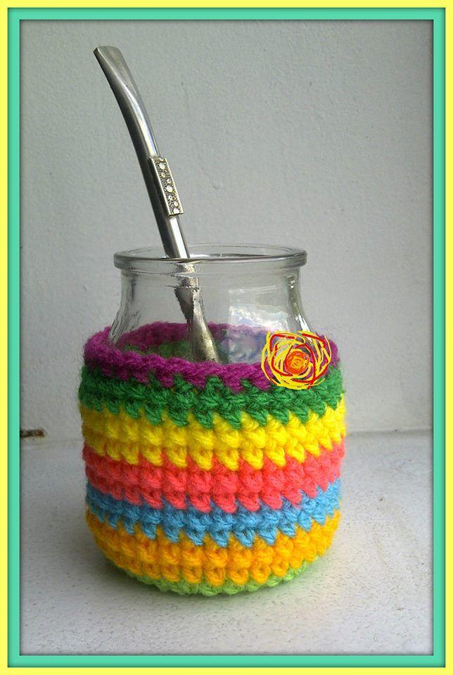 Mate -Reutilizando un frasco de vidrio- con funda tejida al crochet. https://www.facebook.com/pages/Bruma-Creativa/350068608393699