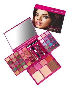 VS Hello Bombshell Makeup kit...got this for my bday and love the bronzer, eye shadow palette andlip colors. Actually, I love it all!! :)
