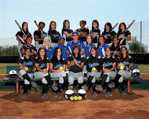 Love This Softball Team Picture Idea....
