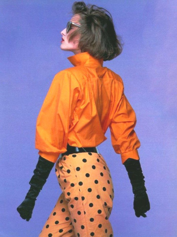Fashion Year 80 In Orange Pants To Pois Black And Chosier Handles Chauve Mouse Col High Vintage Fashion 80s 80s Fashion Orange Fashion