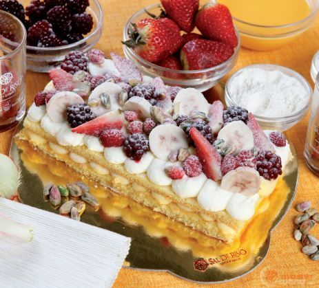 Fantasia di yogurt, fragoline di bosco e banane