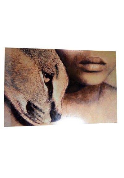 Cuadro moderno. Imagen de rostro de mujer con puma. Fabricado en lienzo con madera en tonos marrones y beige.  Decoración para las paredes, dale un toque especial a tu salón, pasillo, restaurantes... Medidas 150 x 100 cm. Envío gratis en 24h
