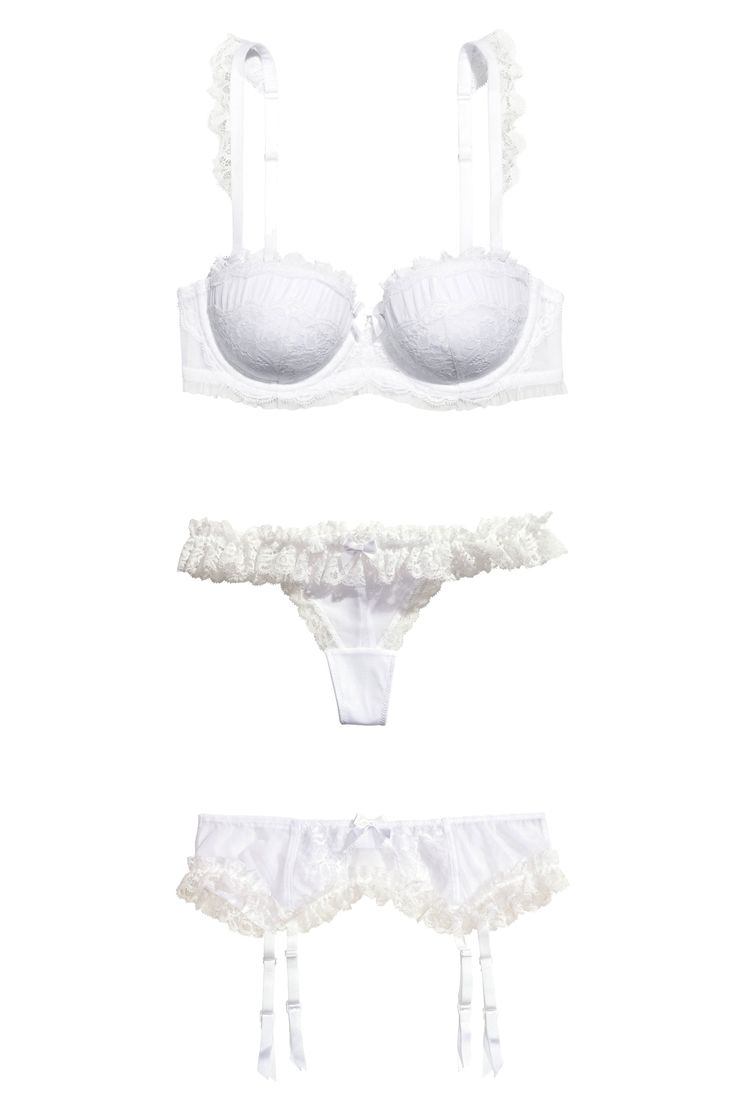 10 Sexy All-White Lingerie Sets to Wear on Your Wedding Night