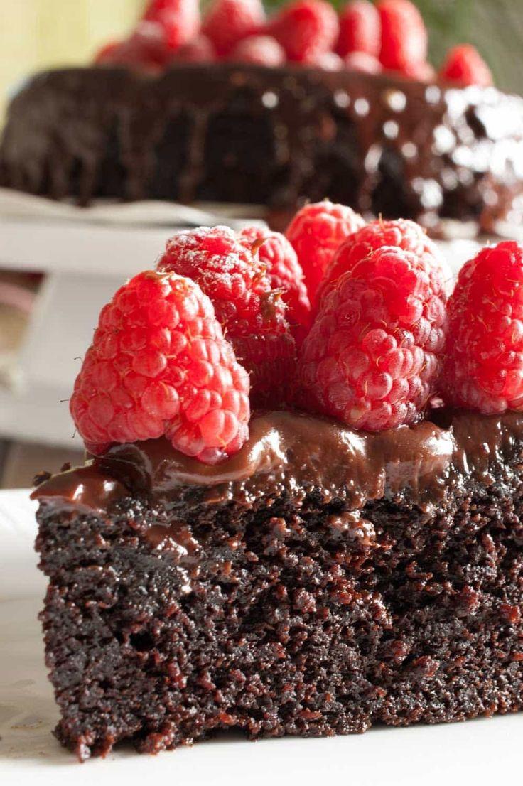 Un gâteau au chocolat incroyablement moelleux et délicieux sans beurre! Un autre Ina Garten …   – A Little Bit of Spice | From the Blog