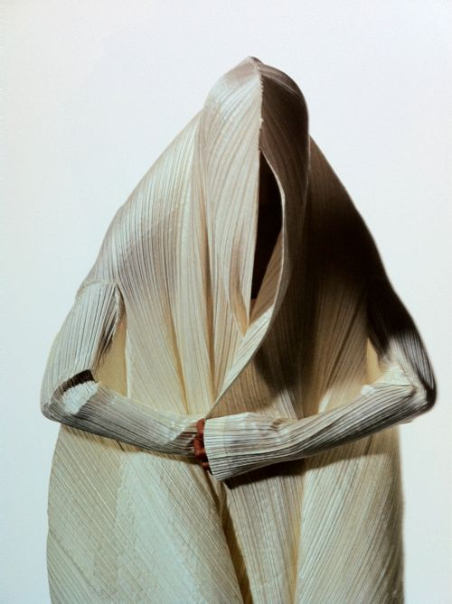 Issey Miyake photographed by Irving Penn. - http://highfashionista.com/issey-miyake-photographed-by-irving-penn/