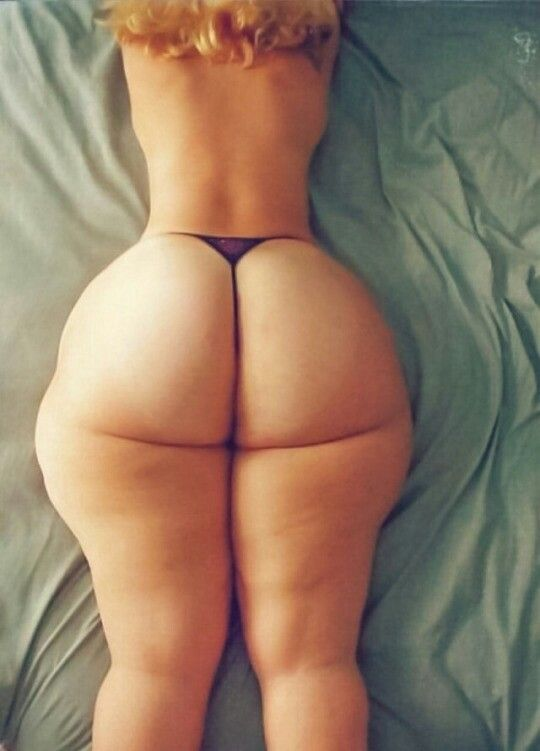 Big Sexy White Booty 37