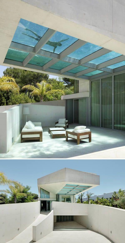 La piscina en la azotea de la Casa de las Medusas.