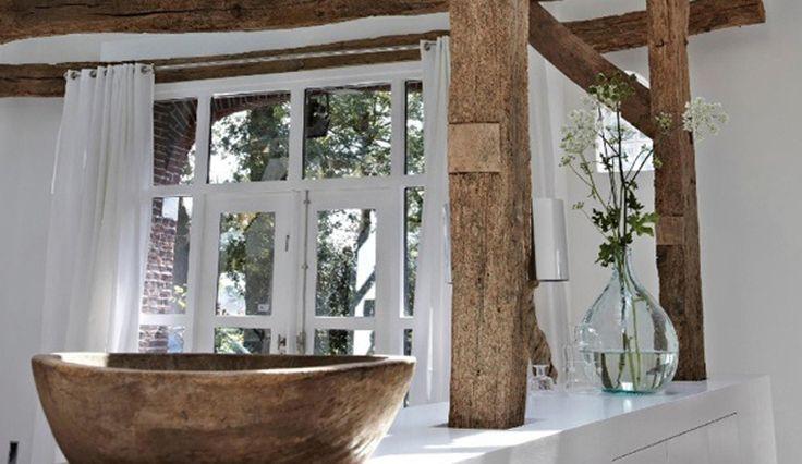 25 beste idee n over houten balken plafond op pinterest balken plafonds balkenplafond en for Deco houten huis