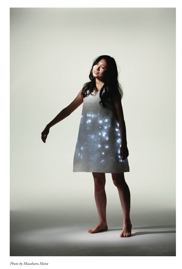 Hill Hiroki Kobayashi - Wearable Forest. Clothing that interacts remotely with a forest. Wearable, e-Clothing