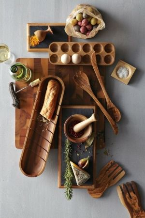 Wooden kitchen serveware perfect for your next home or paired together as a gift for weddings. #cooking #kitchenutencils #wooden.
