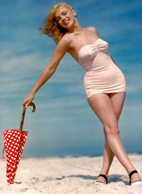 65e2ba7d081 40 Iconic Moments of Marilyn Monroe in Bikini and Swimsuit From Between the 1940s  and 1960s ~ vintage everyday
