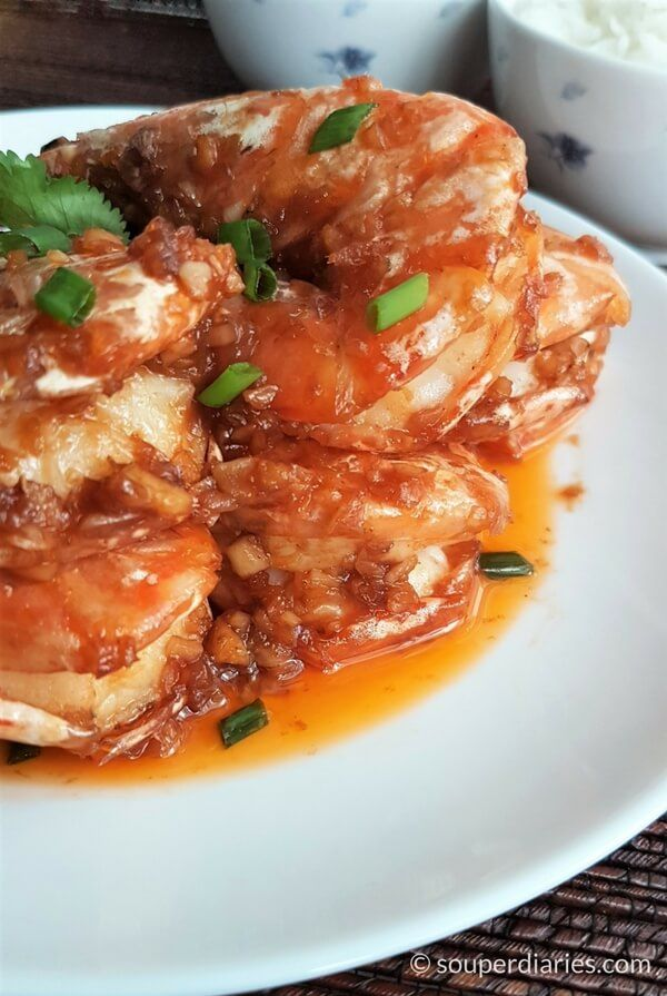 Har Lok. Cantonese style fried prawns with a sweet and savory sauce.