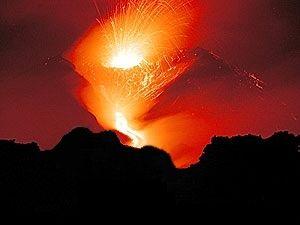Eruption de l'Etna le 17 juillet 2001.