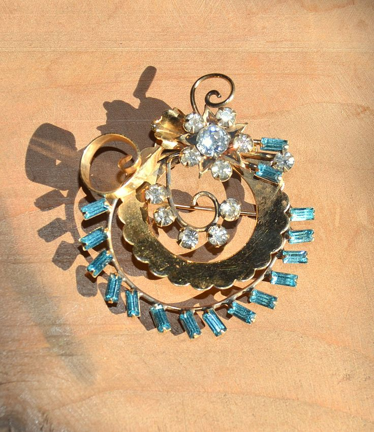 Vintage Rhinestone Brooch ~ Gold Filled Jewellery ~ 1940s-1950s Mid Century Jewelry ~ Flower Pin ~ Aqua&Clear stones by CatsAndHatsVintage on Etsy