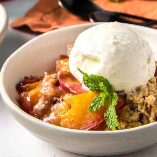 Pfirsich zerbröckeln – Color Photo Pinterest – #DessertsundSüßigkeiten #knack…