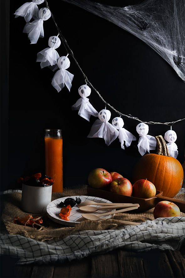 DIY Ghost Lights - could also do jack skellington | #easy spooky halloween decor