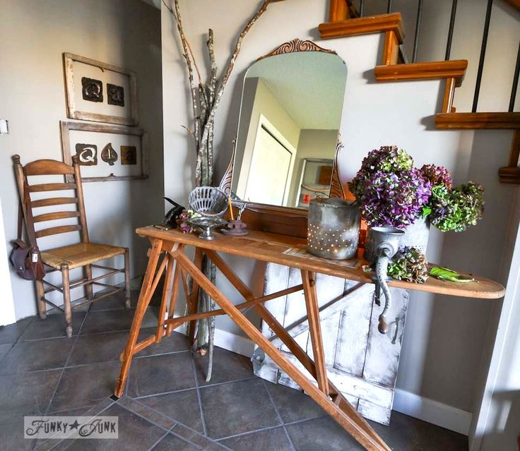 Vintage ironing board entry table / Fall junkers unite with an ironing board table, a pin board and a linkup! via http://www.funkyjunkinteriors.net/